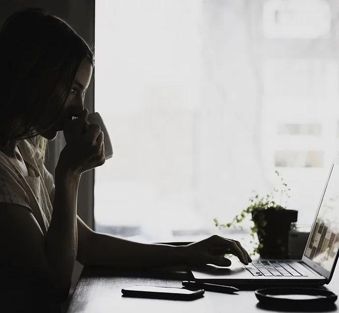 online geestelijke verzorging sessie boeken voor particulieren bij vrijgevestigd interlevensbeschouwlijk geestelijk verzorger Els Arial van de Schoot - digitaal humanistisch raadsvrouw